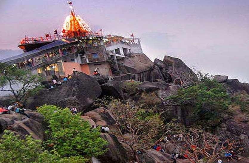 2 हजार साल पुराना है मां बम्लेश्वरी का मंदिर, दर्शन मात्र से पूरी होती है भक्तों की मुराद