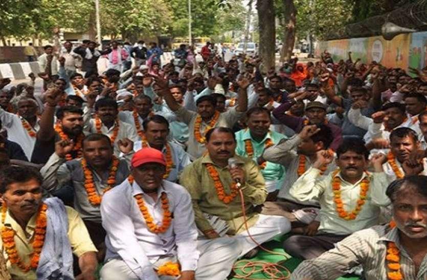 सफाई कर्मियों की हड़ताल पर सरकार का पलटवार, हरियाणा की पालिकाओं में बंद होगी ठेकेदारी प्रथा