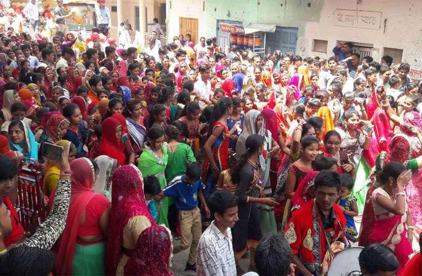 शोभायात्रा में उमड़ा आस्था का सैलाब फिजां में गूंजे मां श्रीयादे के जयकारे