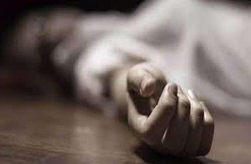 नक्सल ब्रेकिंग : जन अदालत लगाकर की बेटे की बेदम पिटाई, फिर पिता को उतारा मौत के घाट