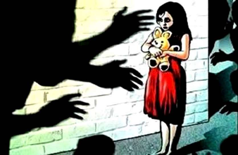 भागी हुई नावालिक लड़कियों से लगवाए जा रहे बलात्कार, परिजन लगा रहे फर्जी आरोप