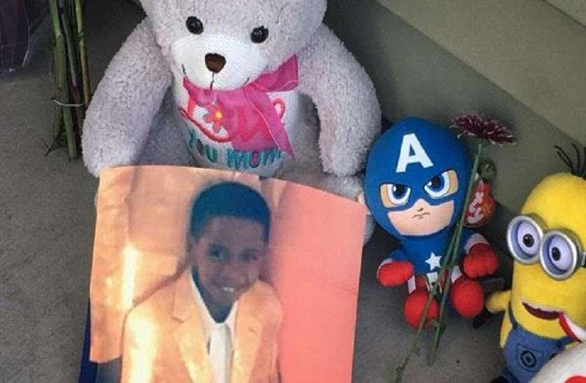 7 year old accidentally shot himself by handgun found in toy box