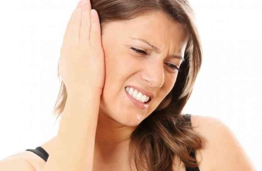 कम पानी पीने से कान के नीचे गांठ बनने का खतरा