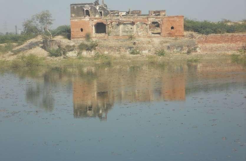 Save Heritage :  मीरां की नगरी मेड़ता में धूल में दबे पड़े हैं ऐतिहासिक शिलालेख