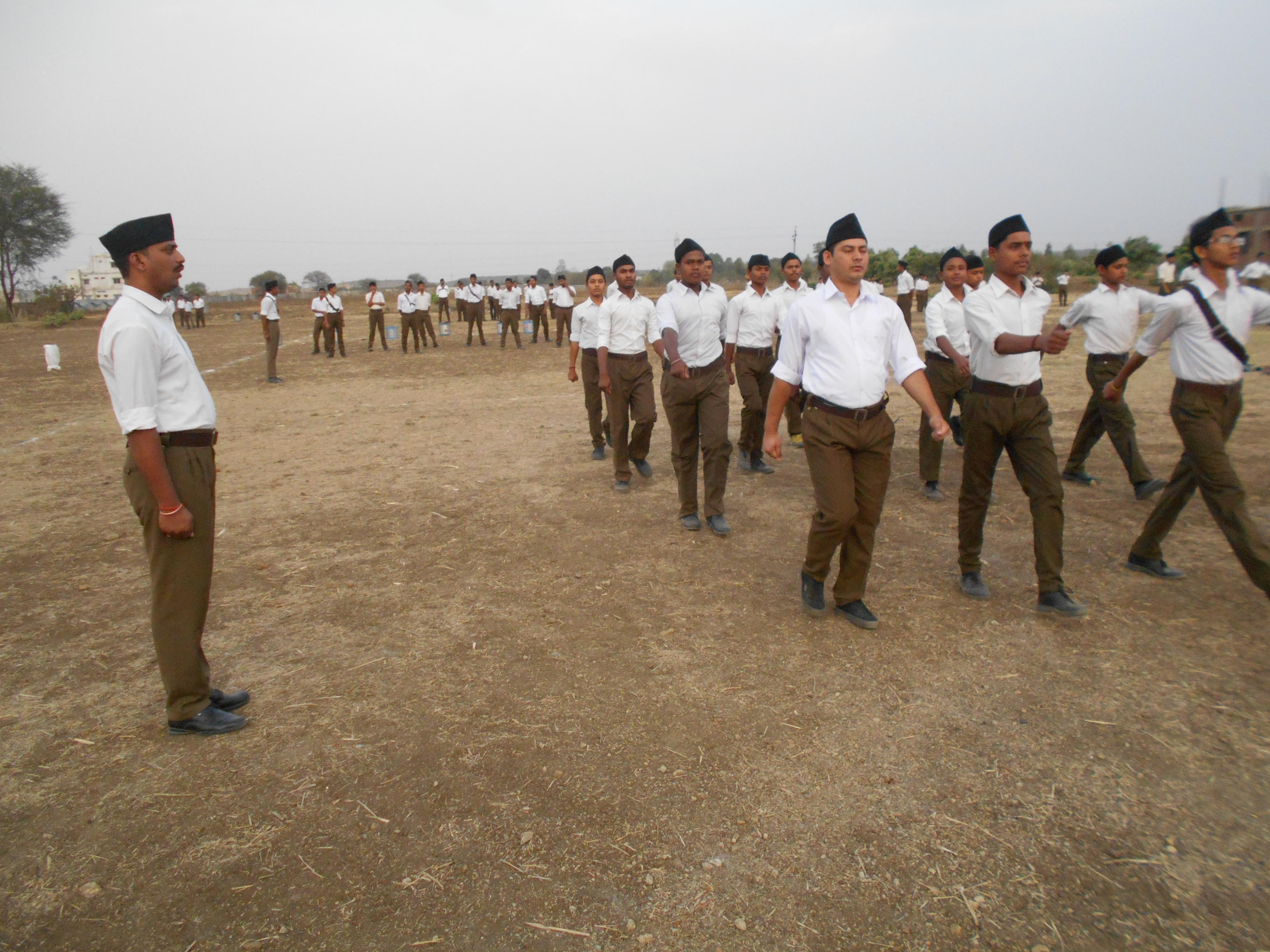 ३४ जिलों से आए आरएसएस स्वयंसेवक...
