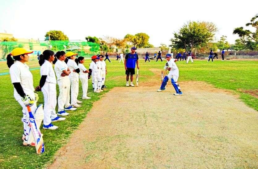 मोदी और जोशी खेमे की गुटबाजी का खामियाजा भुगत रहे क्रिकेटर्स