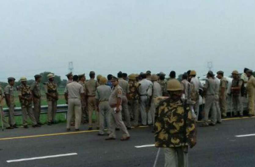 आगरा लखनऊ एक्सप्रेस वे पर मुंह में गोली मारकर हत्या, 2 लाख रुपये जेब में रखे छोड़ गए...