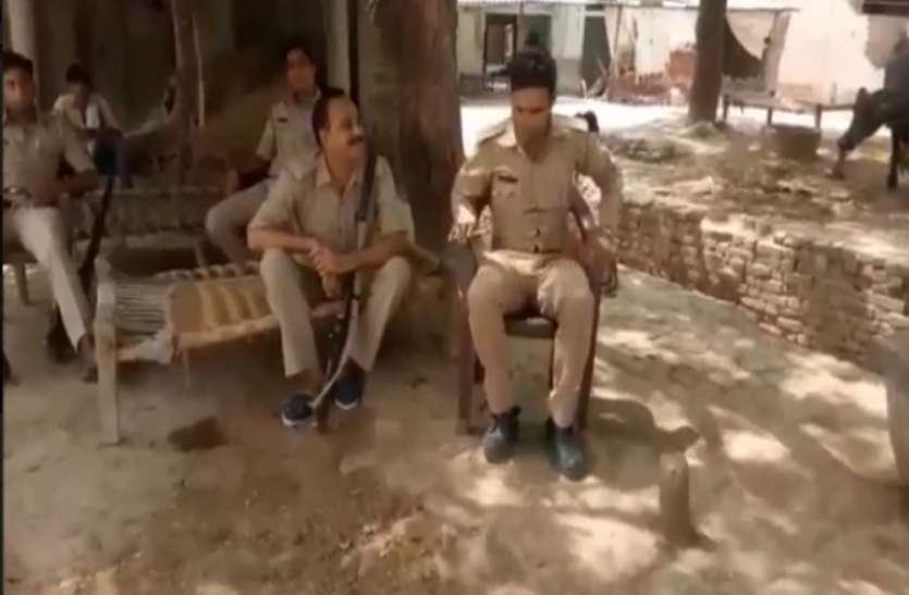 शादीशुदा महिला के नवयुवक के साथ भाग जाने के बाद दंबगो का कहर, तनाव पर पुलिस और पीएससी की तैनाती