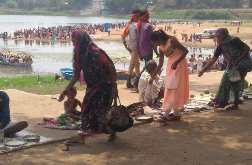 आठ महायोगों में भक्तों ने किया नर्मदा स्नान