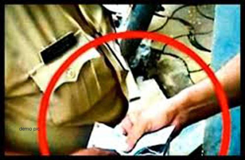 1 लाख रुपए रिश्वत लेते गरियाबंद SDO रंगे हाथों पकड़ाया, एसीबी की टीम ने किया खुलासा