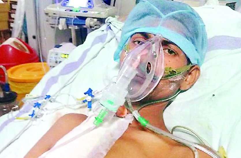 मरीज का ऑपरेशन चल रहा हो, अचानक चारों एसी बंद हो जाए..