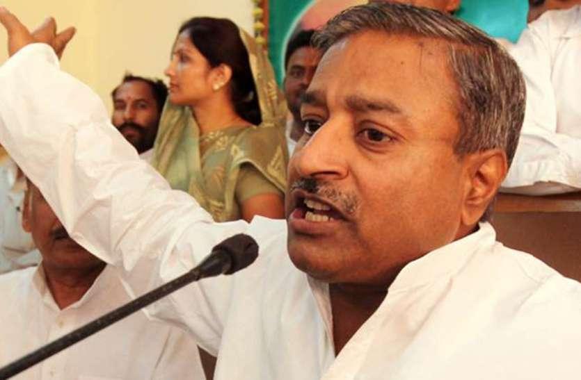 रोहिंग्या मामला: भाजपा सांसद विनय कटियार का बड़ा बयान, प्रियंका चोपड़ा देश छोड़ें