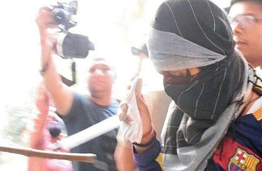 पुलिस से बचने के लिए यहां मजदूरी कर काट रहा था फरारी,  गांव आते ही गिरफ्तार हुआ हत्या का आरोपी