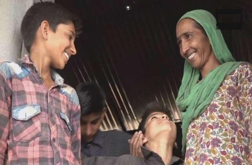 12 साल से टेंट में गुजारा कर रहा था परिवार, प्रधानमंत्री आवास योजना से मिला आशियाना