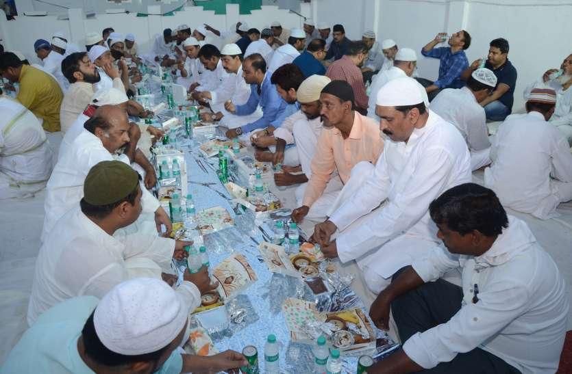 रमजान में गरीबों को जकात देना जरूरी, मौलाना जफर
