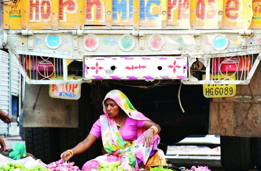 किसान आंदोलन: दूध की सप्लाई सामान्य, सब्जियों की आवक प्रभावित