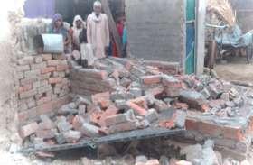 दंबगों का दलित के घर पर धावा, तोड़-फोड़ कर नष्ट कर दिया सारा सामान