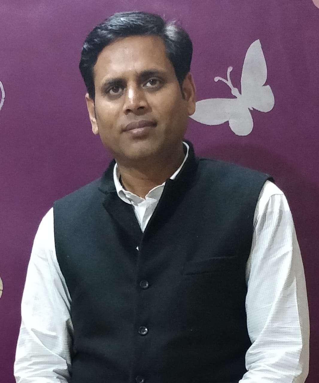 Aap leader Vineet Sharma