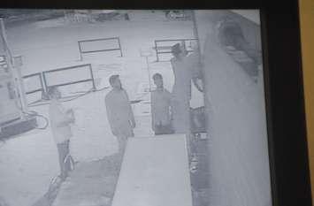 नशे में धुत युवकों ने पेट्रोलपम्प पर की तोडफ़ोड़, चार सीसीटीवी कैमरे भी तोड़े