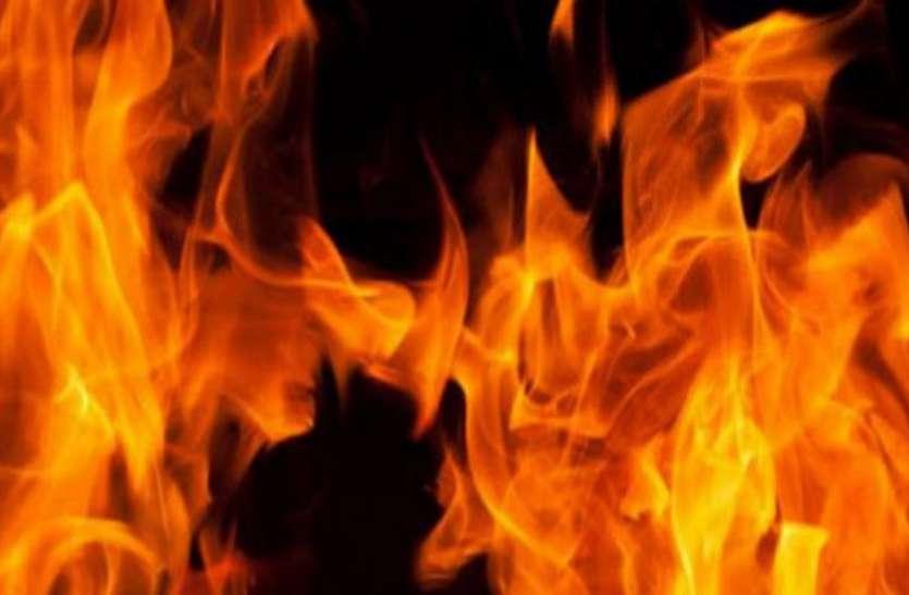 ब्रिटेन: अज्ञात हमलावरों ने गुरुद्वारा और मस्जिद को किया आग के हवाले, जांच में जुटी पुलिस