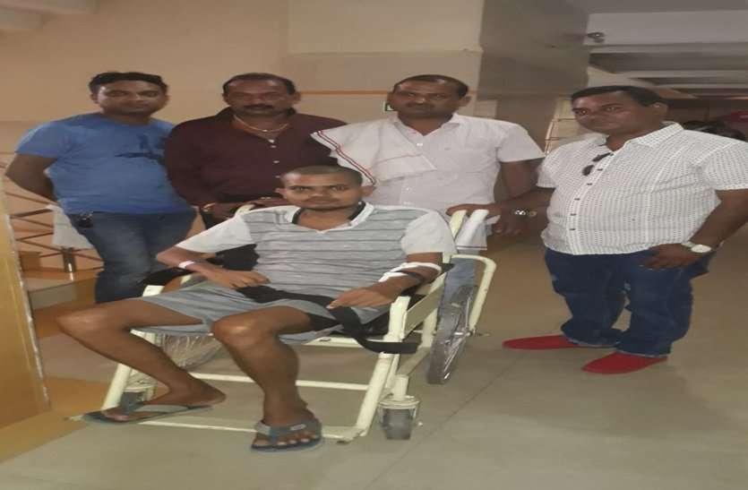 किडनी पेसेंट अंशुल का ऑपरेशन : समाजसेवियों ने उज्जैन में महाकाल के पास लगाई अर्जी