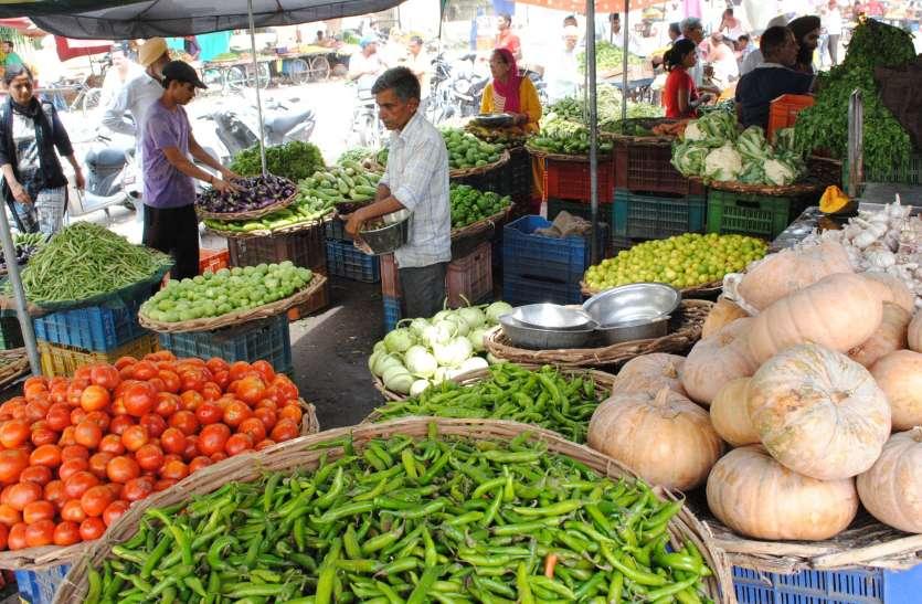 नाके हटे तो दूधिये शहर में, फल-सब्जी की आवक शुरू
