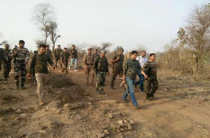 कुख्यात बबुली को ठिकाने लगाने के लिए खाकी ने बीहड़ में डाला डेरा, दस्यु प्रभावित गांवों में चला तलाशी अभियान