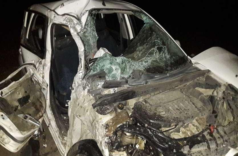 रेत के डंपर से फिर उजड़ा एक परिवार, देर रात कार को मारी टक्कर, युवक की मौत