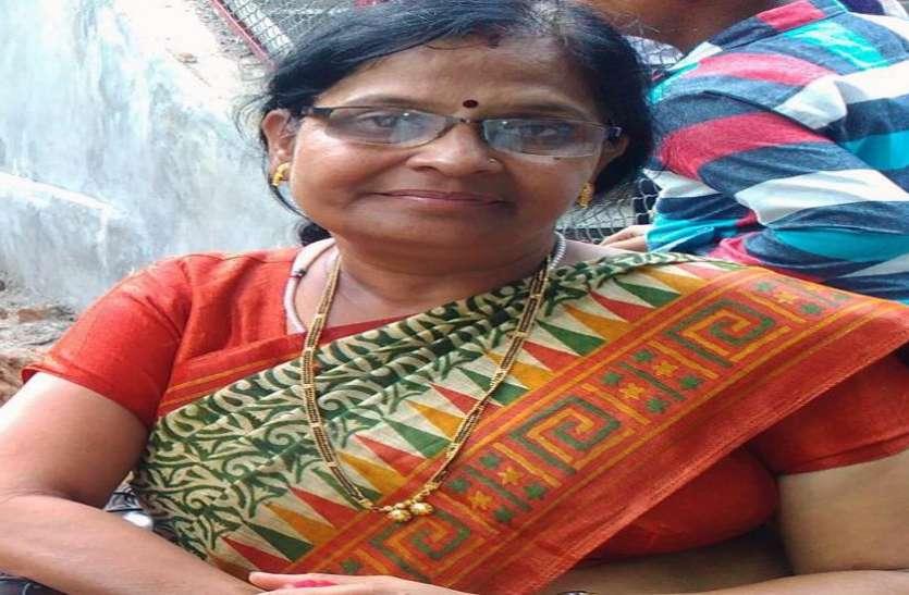 कचरा फेंकने के झगड़े में महिला की हत्या