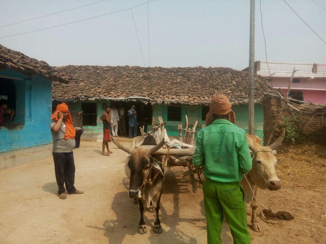 MP के इस जिले में मौत के बाद भी नहीं मिलता सुकून, नदी में बहा दिया शव