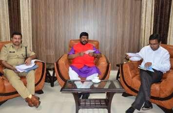 पीएम मोदी के मंत्री ने कर दिया बड़ा ऐलान, 25 फीसदी सवर्णो को मिलेगा आरक्षण का लाभ