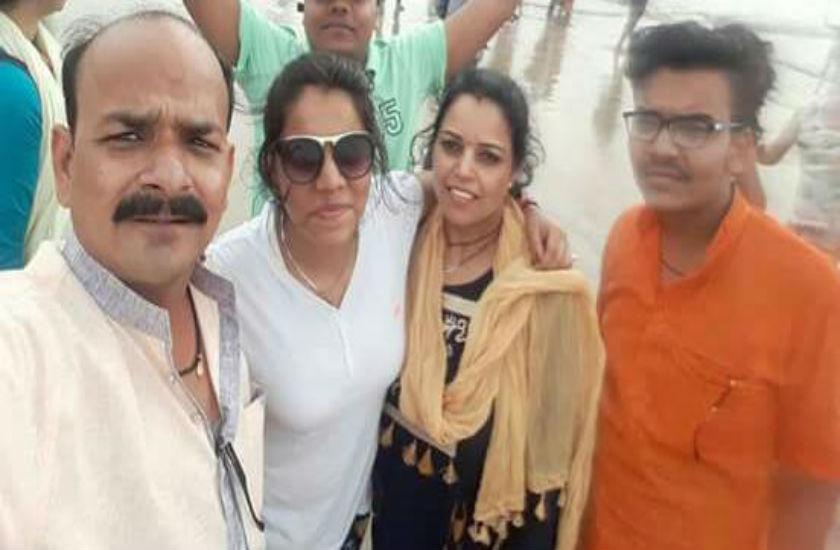 शिरडी से लौट रहे भाजपा नेता सहित परिवार के चार सदस्यों की सड़क हादसे में मौत