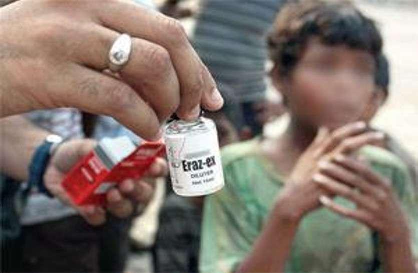 टीन एजर्स में बढ़ रही है नशे की प्रवृति