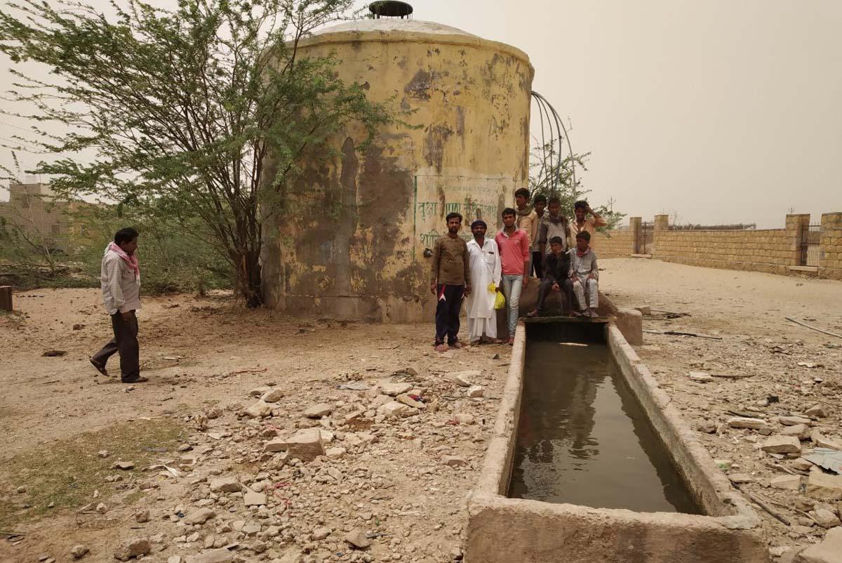 JAISALMER NEWS- पेयजल आपूर्ति के अभाव में जीएलआर सूखे, पानी संकट से हर कोई बेहाल