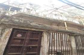 विश्वनाथ कॉरिडोर- जरूरत प्राचीन काशी के मंदिरों, भवनों को संरक्षित रखने की है न कि ढाहने की, देखें चित्रों में गली का हाल...