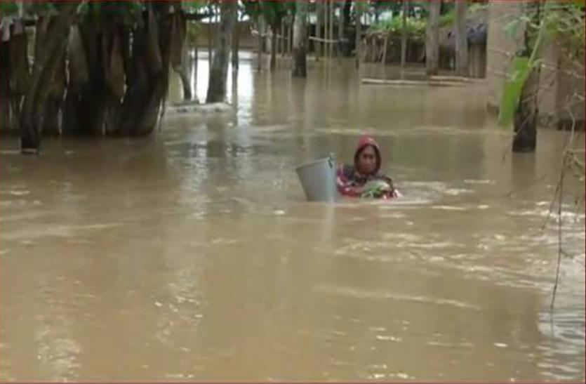 असम में बाढ़ की स्थिति गंभीर, भूस्खलन से ट्रेन सेवाएं प्रभावित