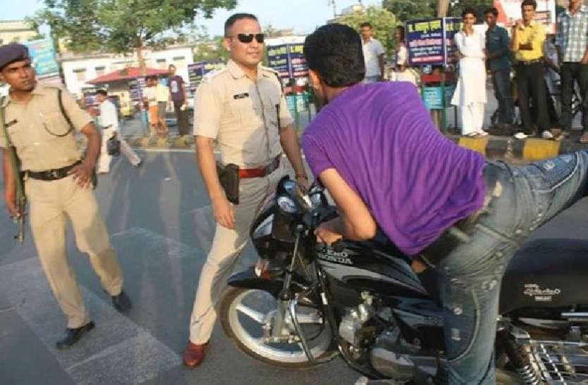 संदेह पर पुलिस ने की एक बाइक सवार से पूछताछ, तो हो गया कई वारदातों का खुलासा