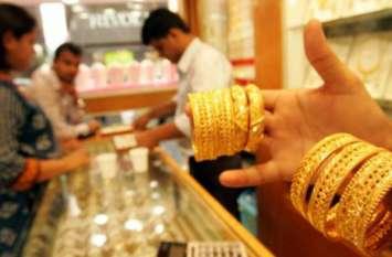 575 रुपए सस्ती हुई चांदी, सिर्फ इतने रुपए में कर सकते हैं खरीदारी