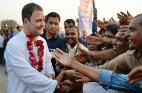 देखिए कांग्रेस अध्यक्ष बनने के बाद समर्थकों ने कैसे मनाया राहुल गांधी का पहला जन्मदिन