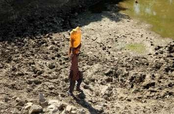 रिपोर्ट: भूजल संकट के कारण पीने के पानी के लिए तरसेंगे लोग