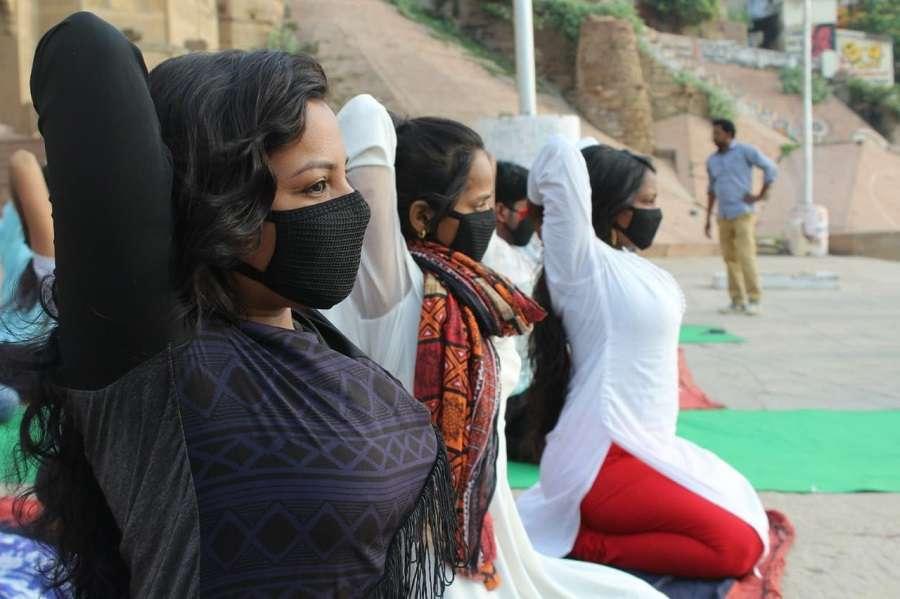 वाराणसी में कुछ ऐसे हुआ योगाभ्यास