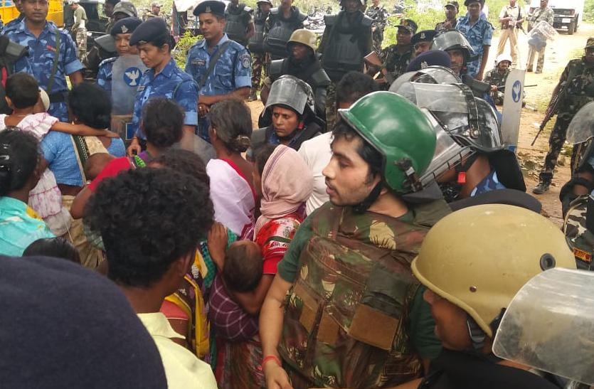 पत्थलग़ड़ी समर्थकों व पुलिस के बीच झड़प में एक ग्रामीण की मौत