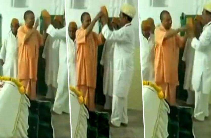 आजम खान ने किया खुलासा क्यों नहीं पहनी सीएम योगी ने मजार पर टोपी, वहज जानकर हो जाएंगे हैरान