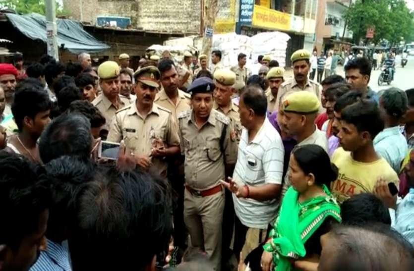 थाने में रामजी मिश्रा की मौत मामले में SP ने इंस्पेक्टर को किया लाइन हाजिर, डीएम ने दिया ये आदेश