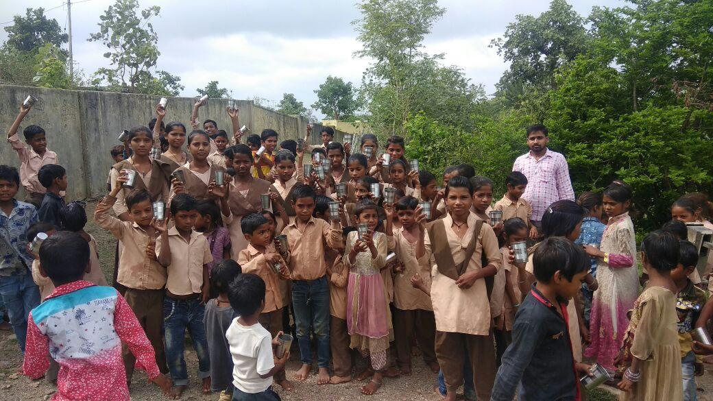 राजस्थान सरकार द्वारा स्कूलों में शुरू की गई दुग्ध अन्नपूर्णा योजना से फल-फूल सकता है गौ संबद्र्धन, ऐसे बदल जाएगी गांव-शहरों की तस्वीर