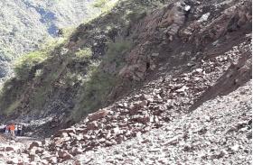उत्तराखंड में बादल नहीं फटने का राज्य सरकार का दावा