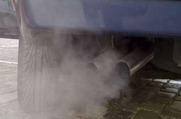 क्या आप भी ड्राइव से पहले कार को गर्म करते हैं जानें इंजन पर क्या होता है इसका असर