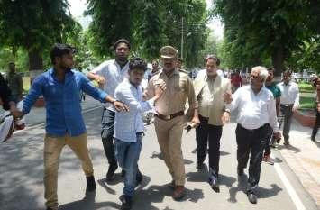 राजभवन में मांगी एलयू मामले की रिपोर्ट, डीजीपी ने सीओ को हटाया