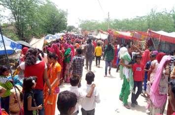 टांकला धाम पर उमड़ी भक्तों की भीड़