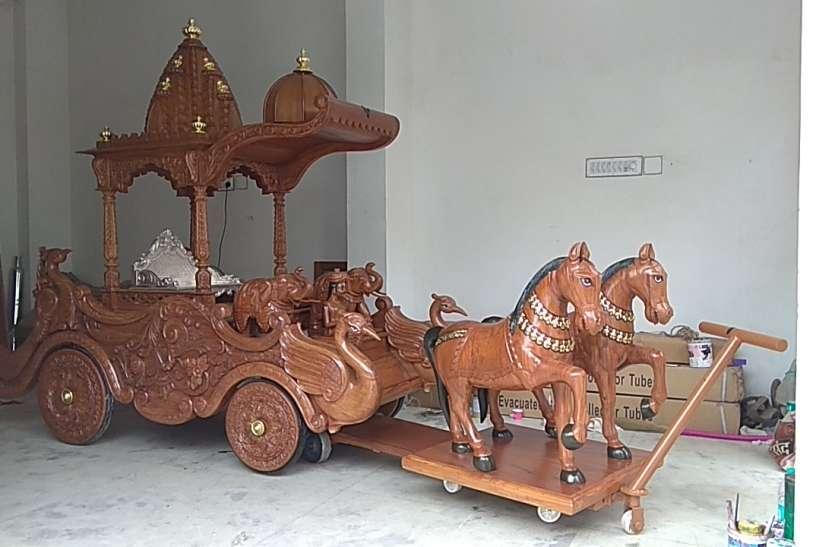उदयपुर में गाजे-बाजे के साथ मंदिर पहुंचा जगन्नाथ स्वामी का रथ, इस बार नए रथ में होगी मंदिर परिक्रमा